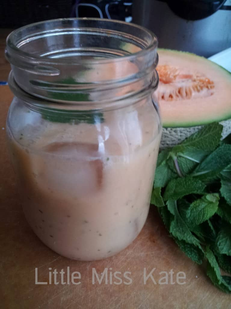 Cantaloupe Cooler Smoothie Recipe