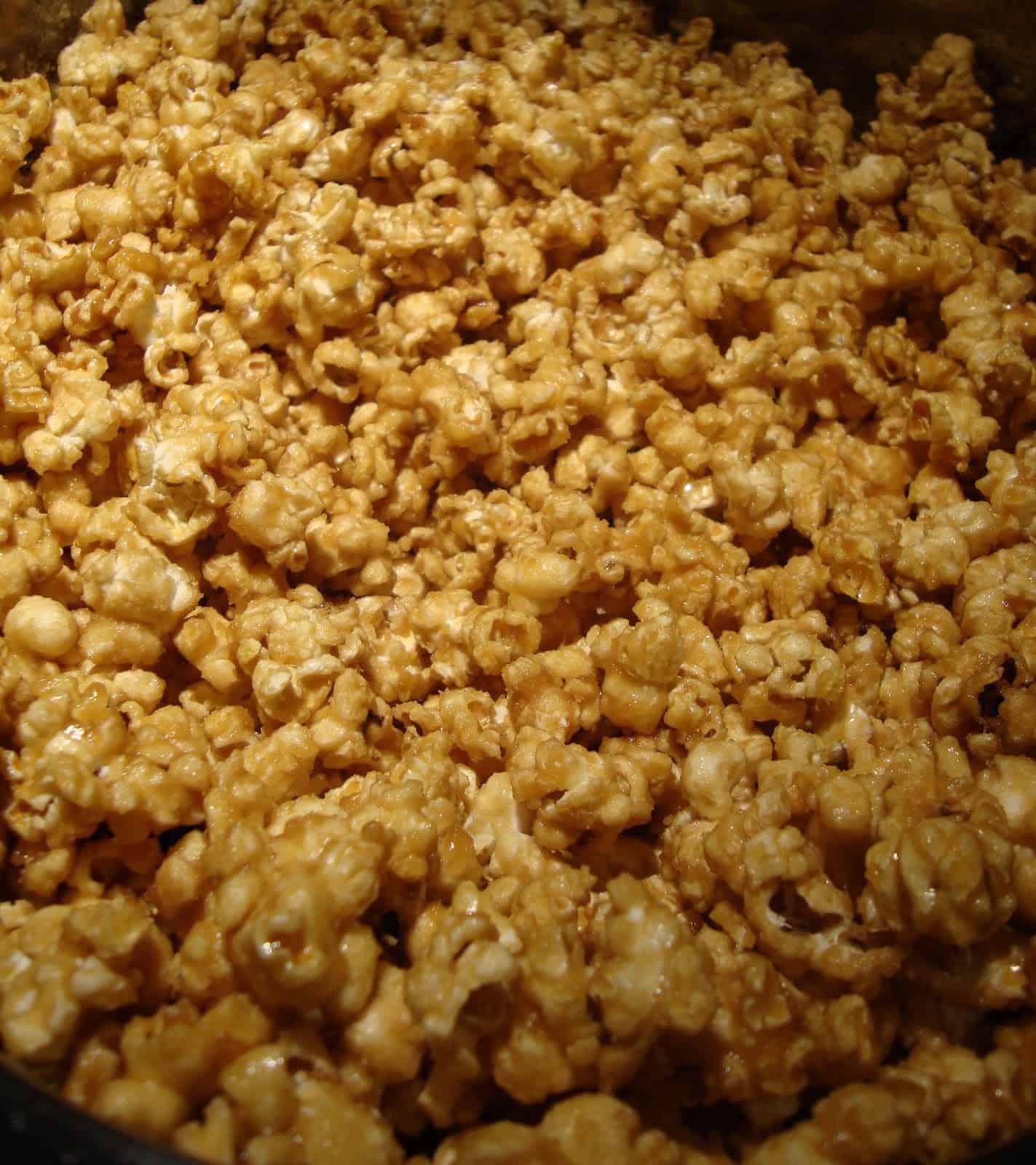 Easy Caramel Corn #Recipe - YUMMY! - Little Miss Kate