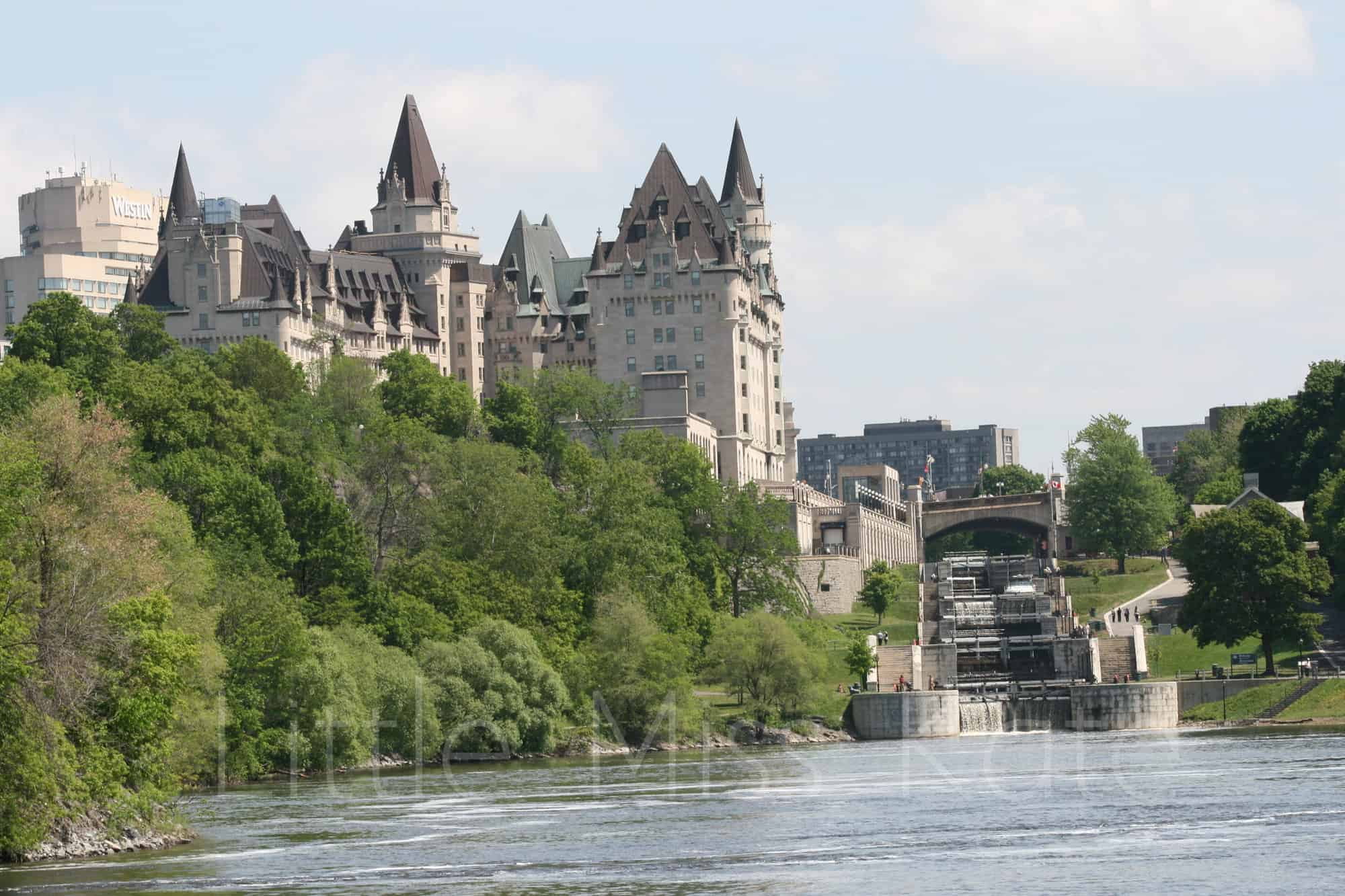 Enjoying the City from the water: Ottawa Boat Cruise Paul's Boat Lines Review