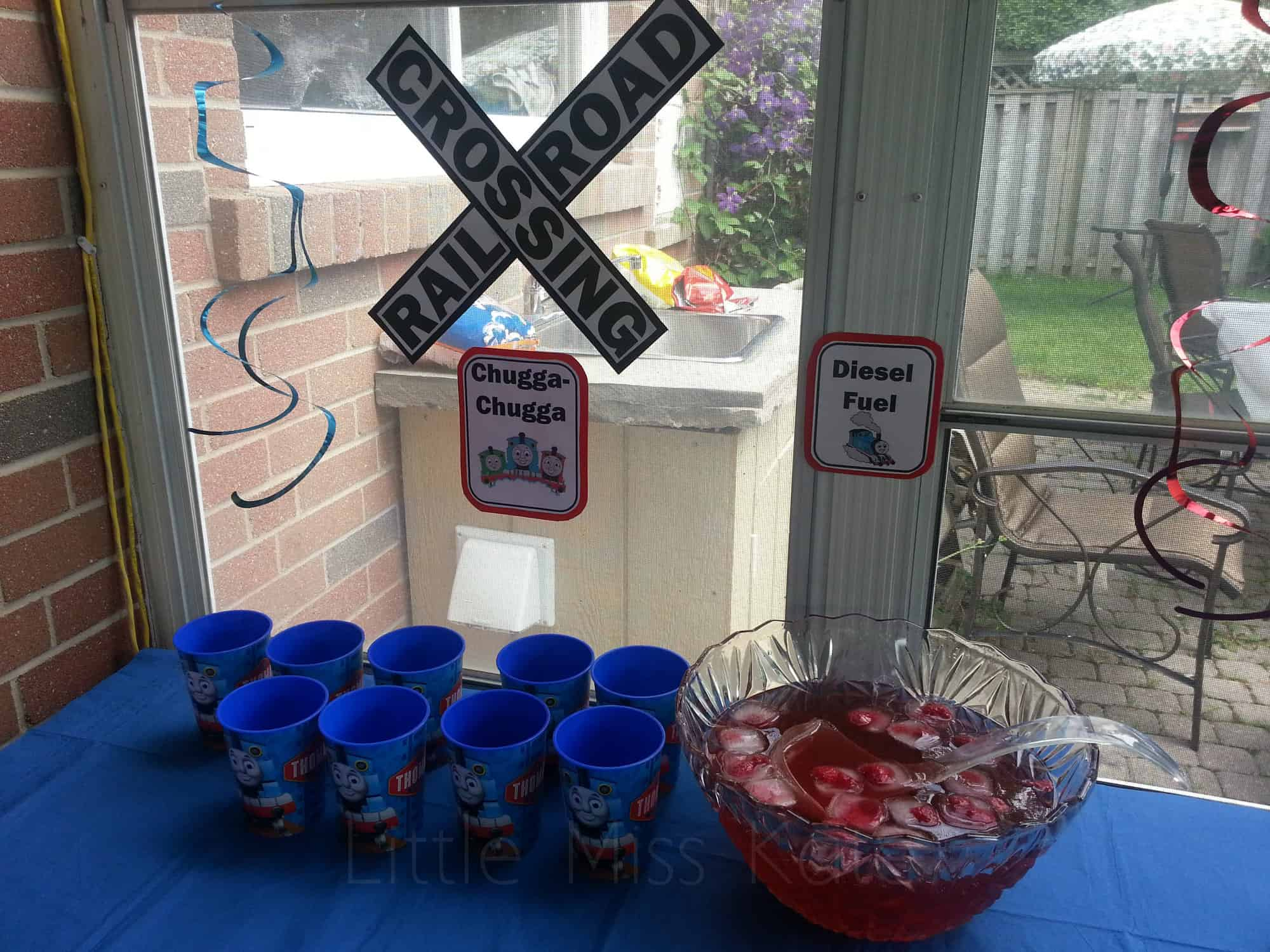 Thomas the Tank Engine Party Ideas decorations