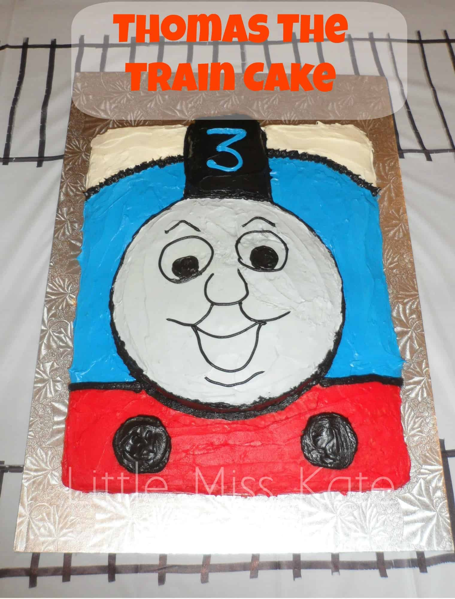 Thomas the train cake 9