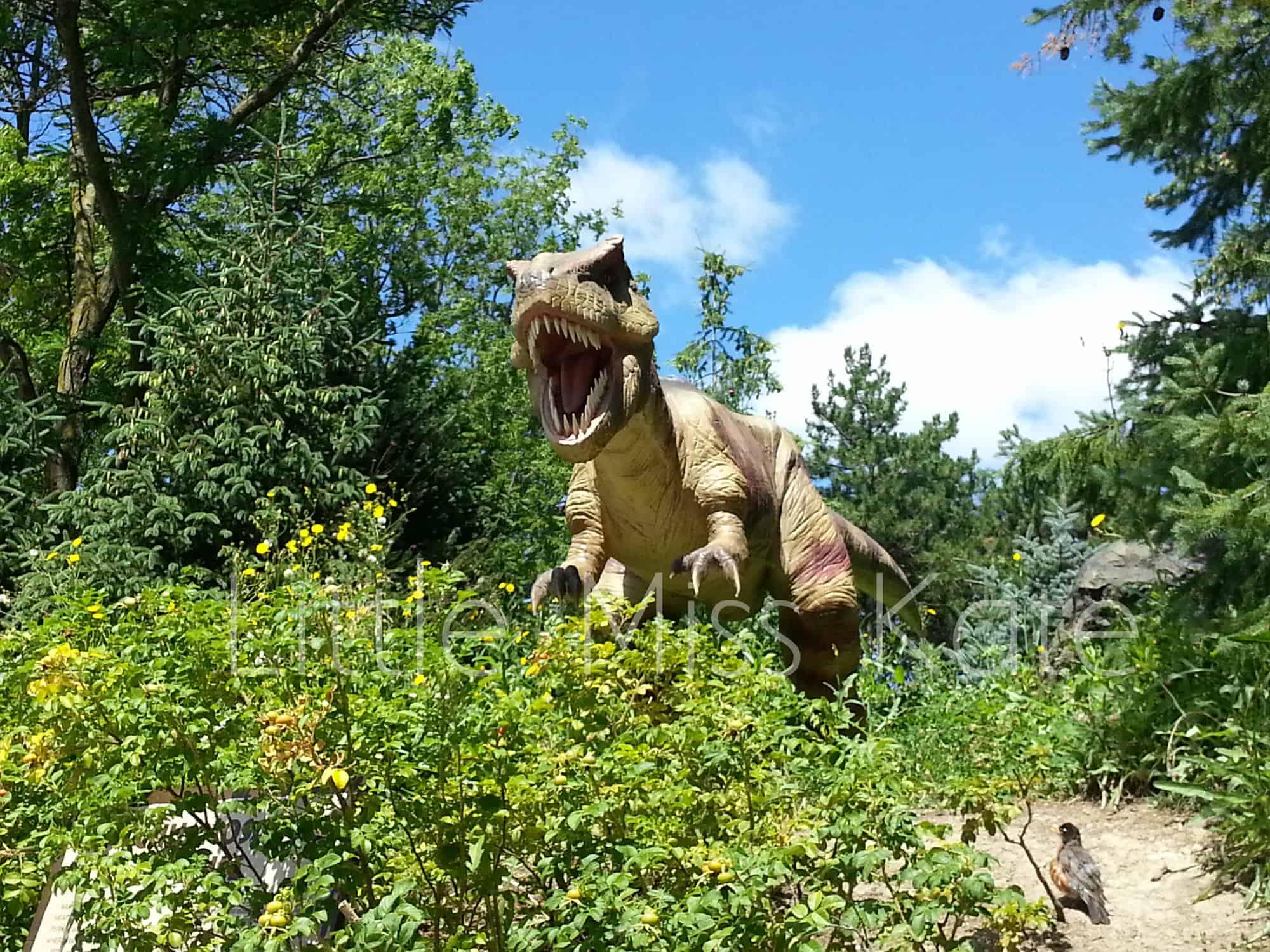 canadas wonderland dinosaurs alive