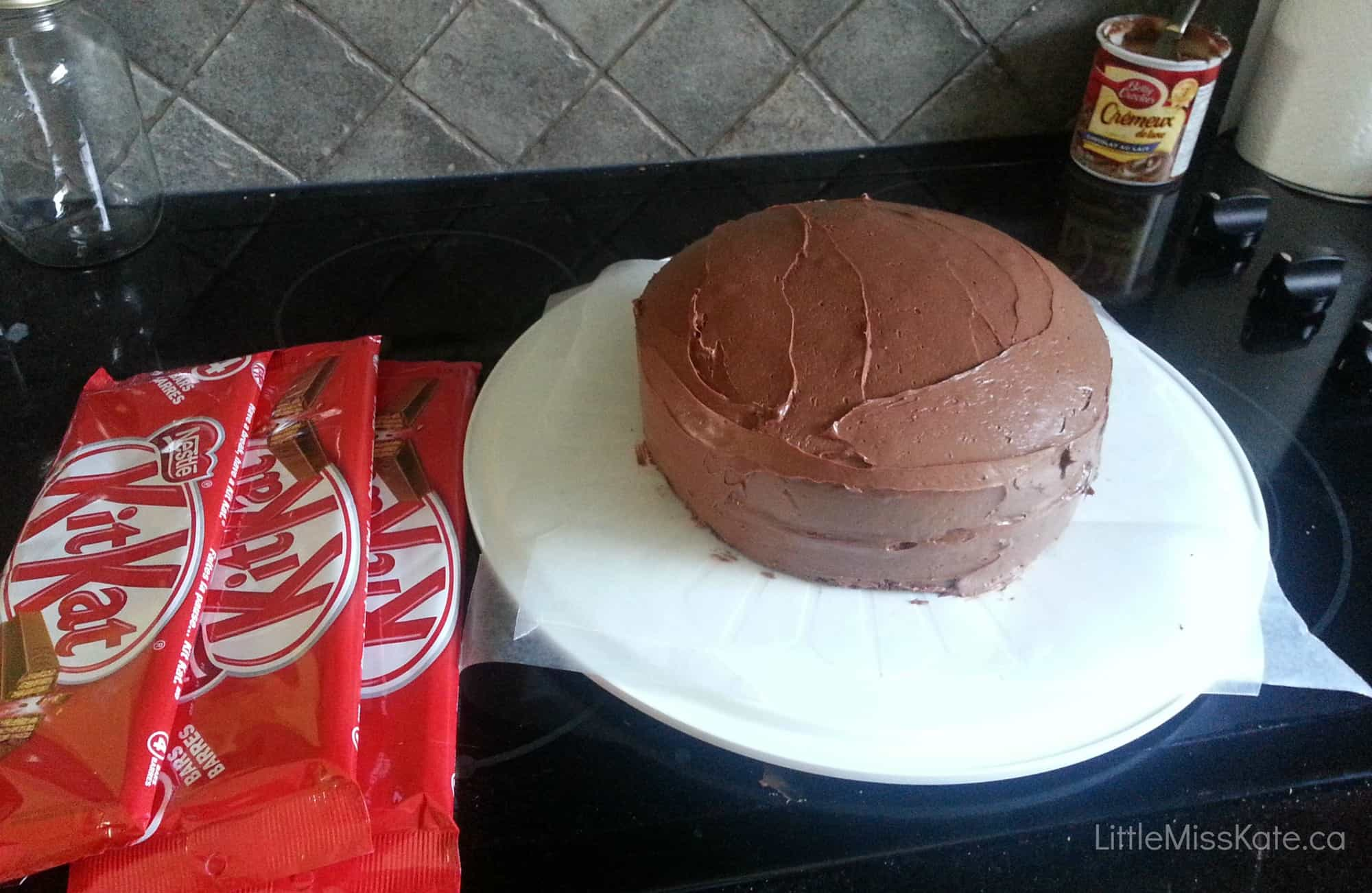 Bake Cake With Wax Paper