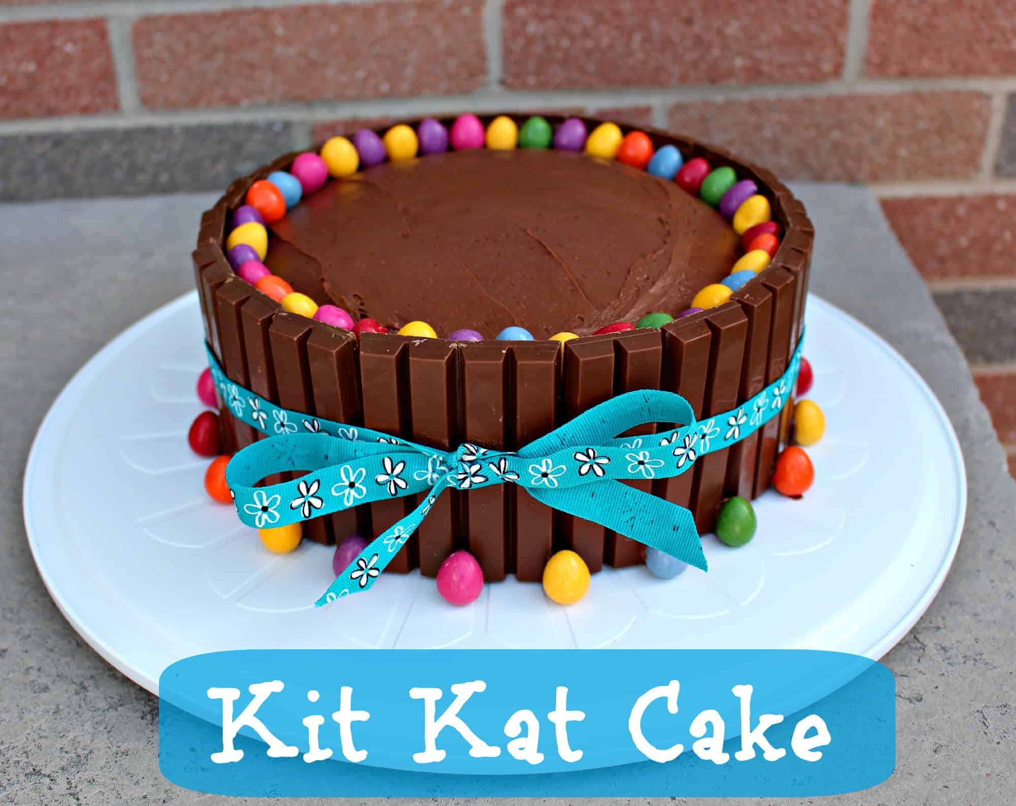 Easter Kit Kat Cake - Easter Dessert Idea via LittleMissKate.ca