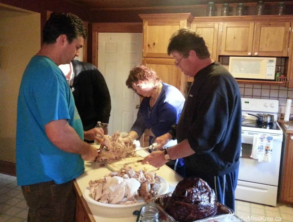 thanksgiving carving turkey