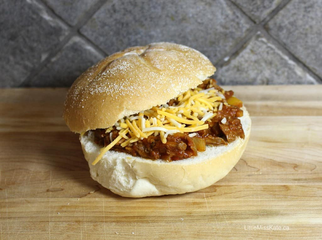 Slow-Cooker-Shredded-Beef-Sandwiches-recipe