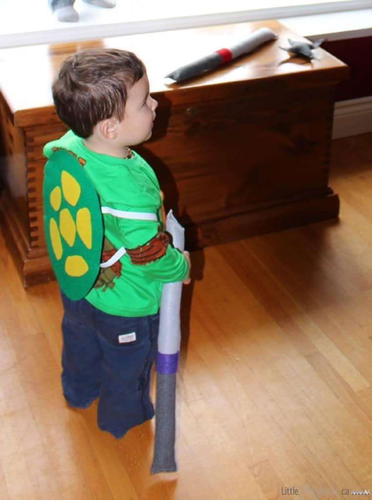 DIY Teenage Mutant Ninja Turtle Shell costume Craft via LittleMissKate.ca