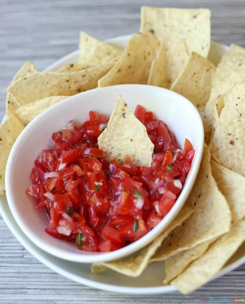 4 ingredient easy homemade salsa recipe
