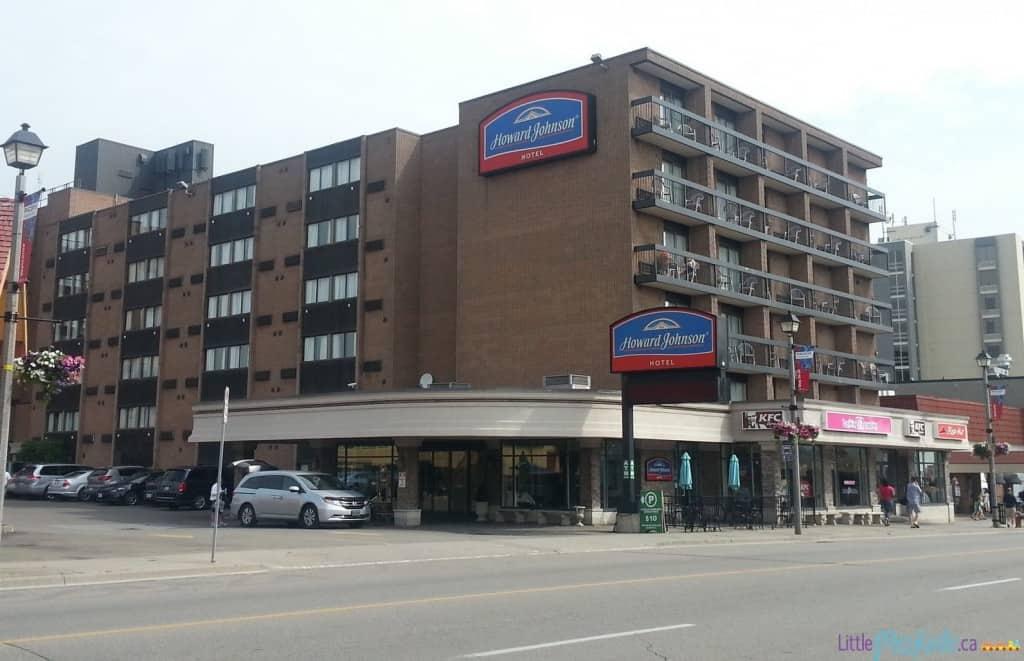 Howard-johnson-cheap-niagara-falls-hotel-review-12
