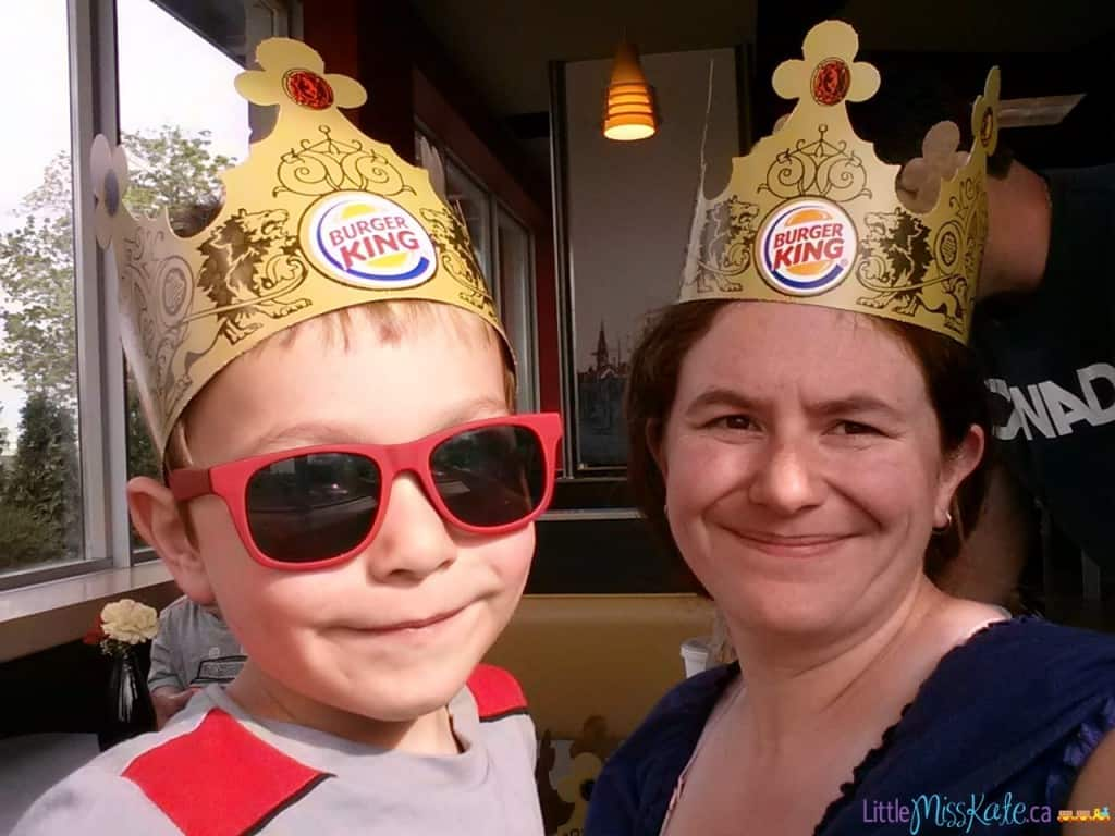 mom-and-son-burger-king-crowns