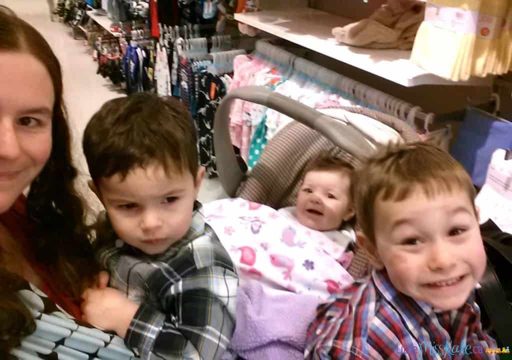 grocery-shopping-with-3-kids