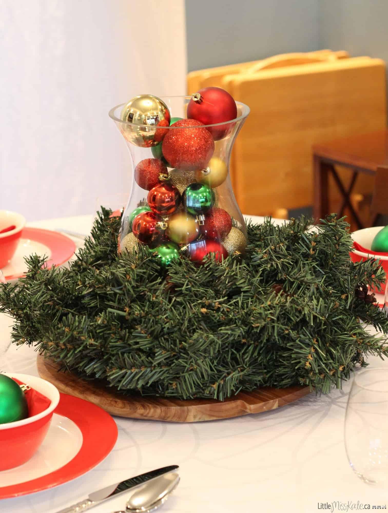 Easy Christmas table centerpiece
