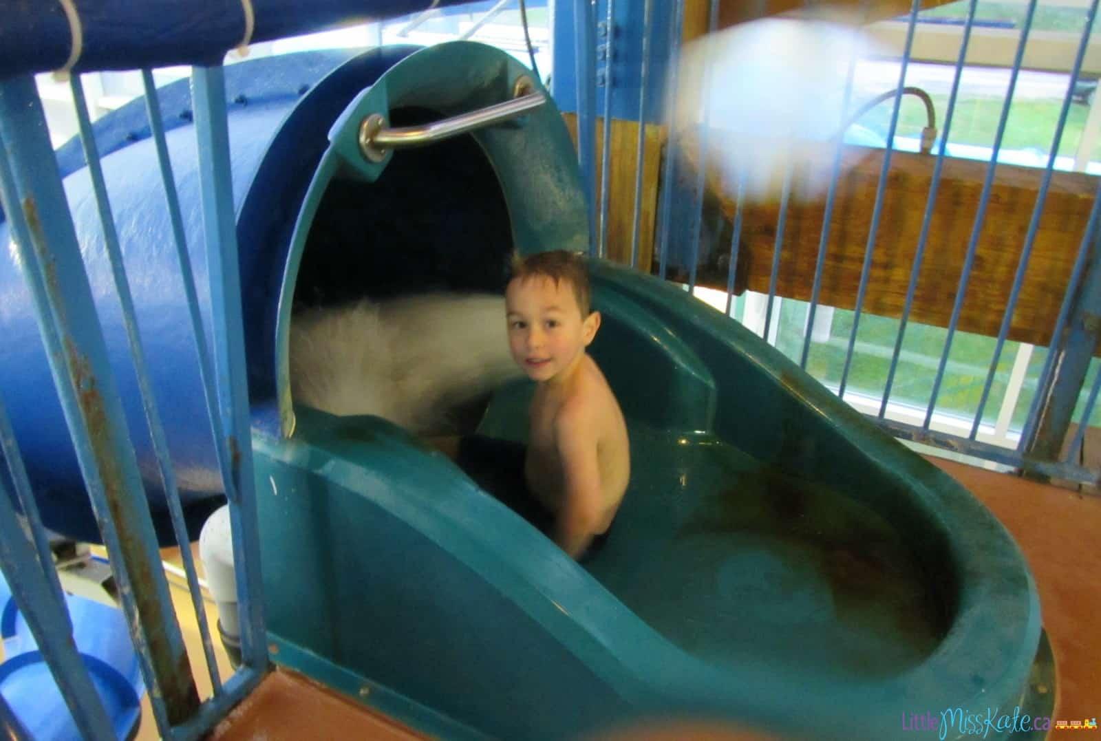 americana waterpark resort niagara falls review water slide