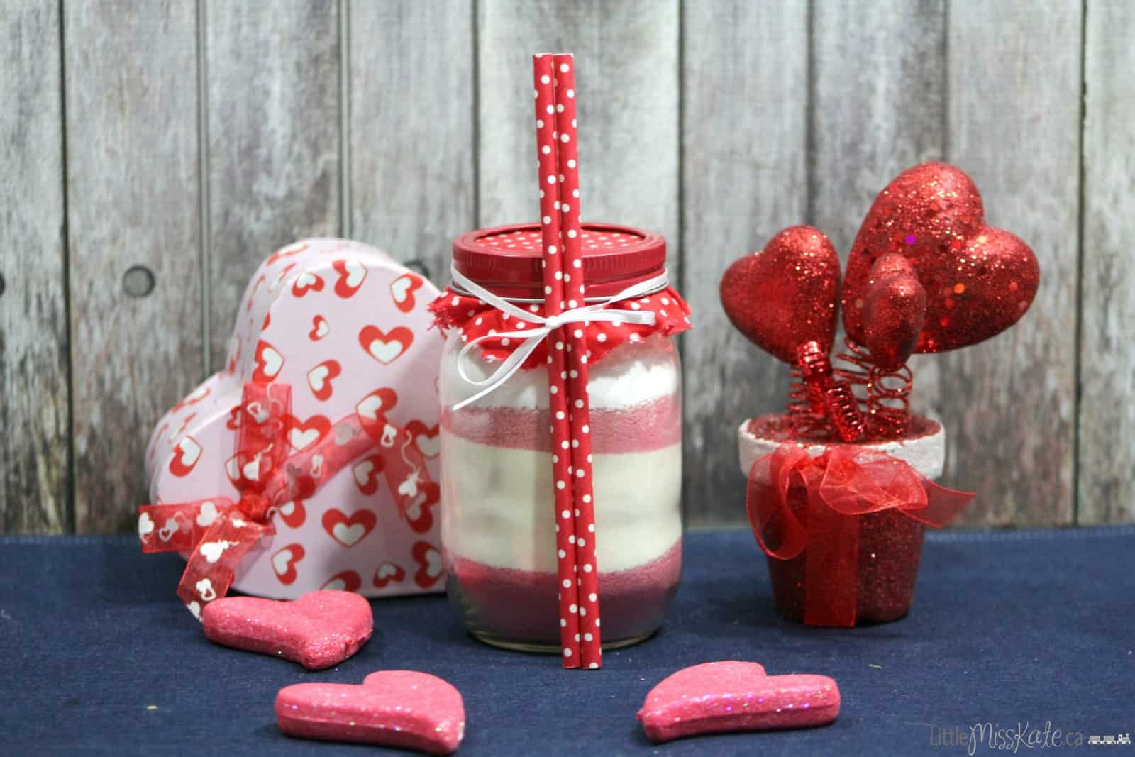 mason-jar-gift-idea-hot-Strawberry-drink-mix-recipe-valentines-day-drink-idea-02