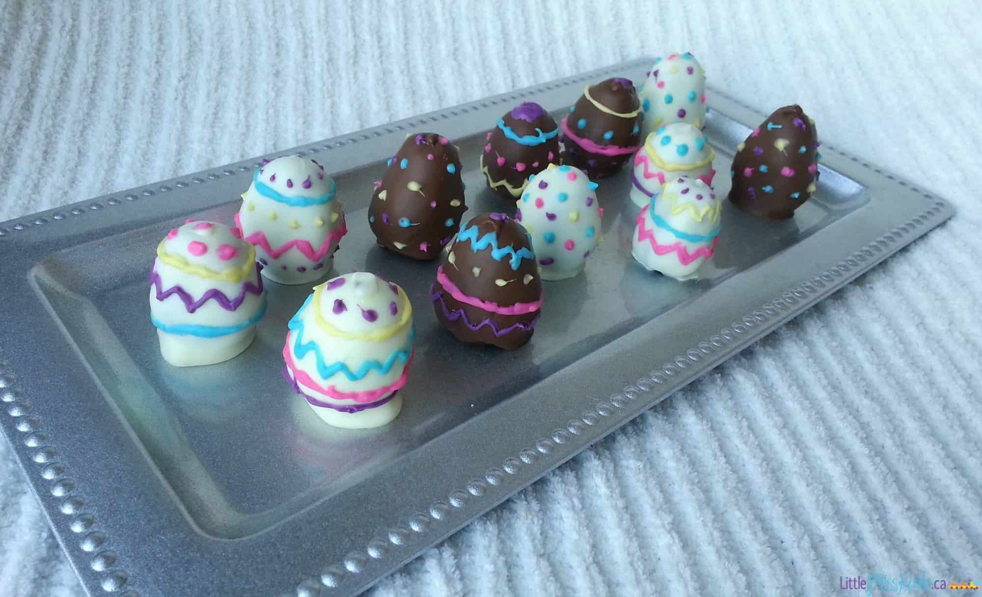 Easter Dessert Idea - Easter Oreo Balls Recipe via LittleMissKate.ca