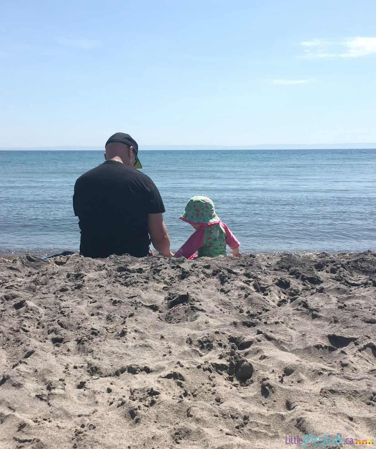 8 Tips for Bringing your Toddler to the Beach