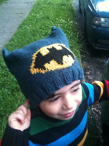 Free knitting pattern for boys batman hat