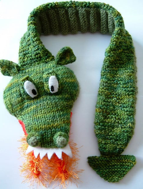 Free knitting pattern for boys dragon scarf