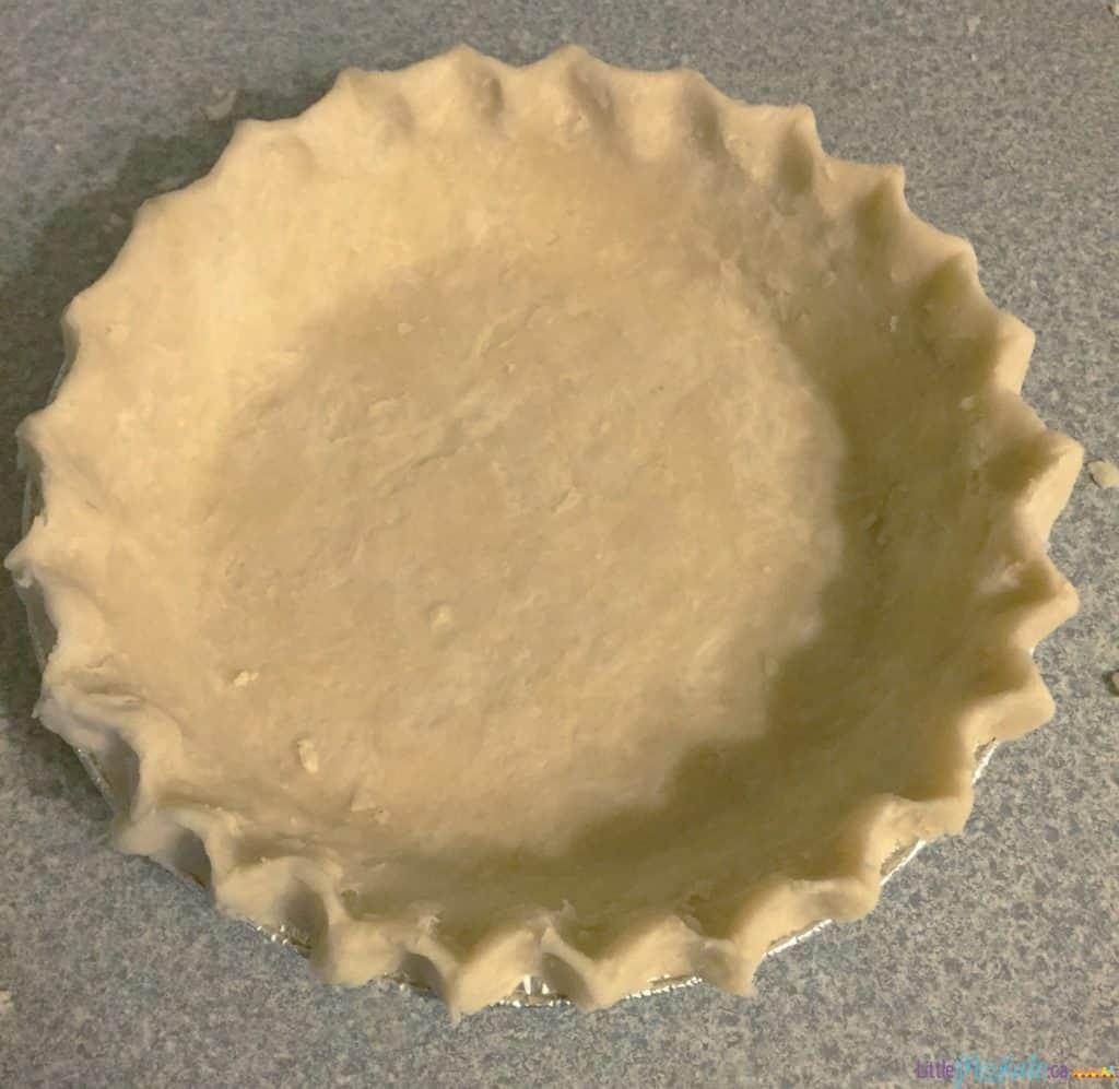 how to make homemade flaky pie crust via littlemisskate.ca