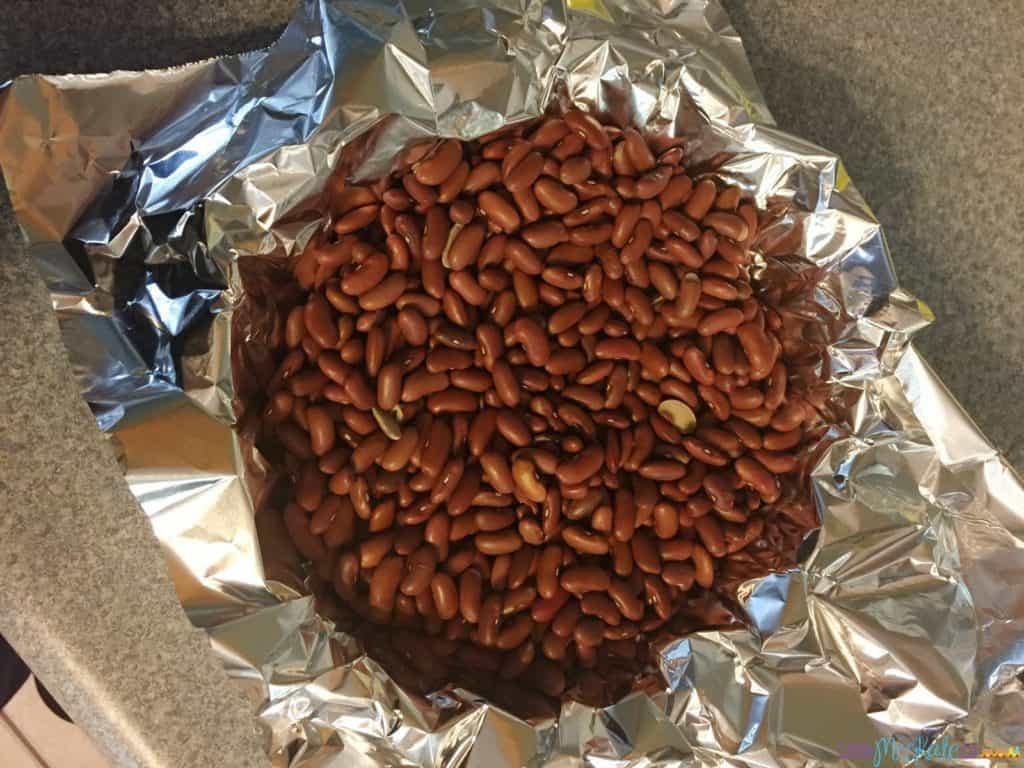 how to bake a pie crust via littlemisskate.ca
