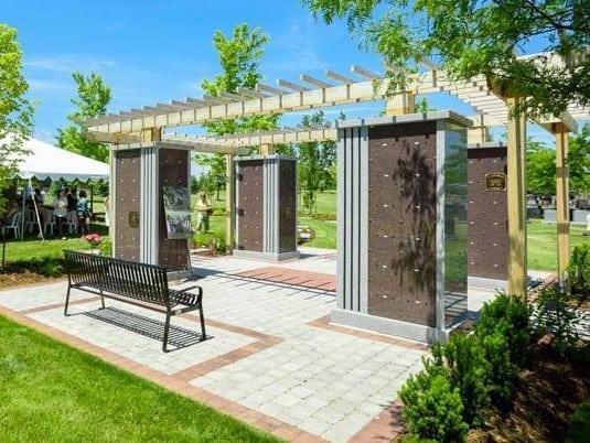brampton-nature-walk-arbor-memorial