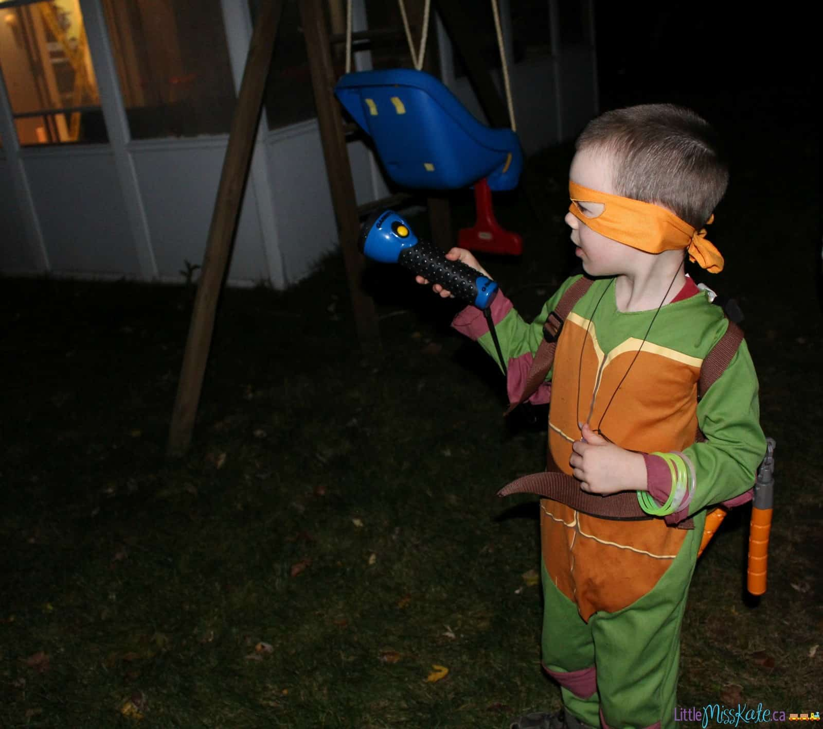 Easy Halloween Party Game Idea - Nighttime Halloween Hunt via LittleMissKate.ca