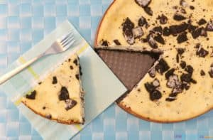 Easy Creamy Oreo Cookie Cheesecake