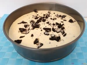 Easy Creamy Oreo Cookie Cheesecake