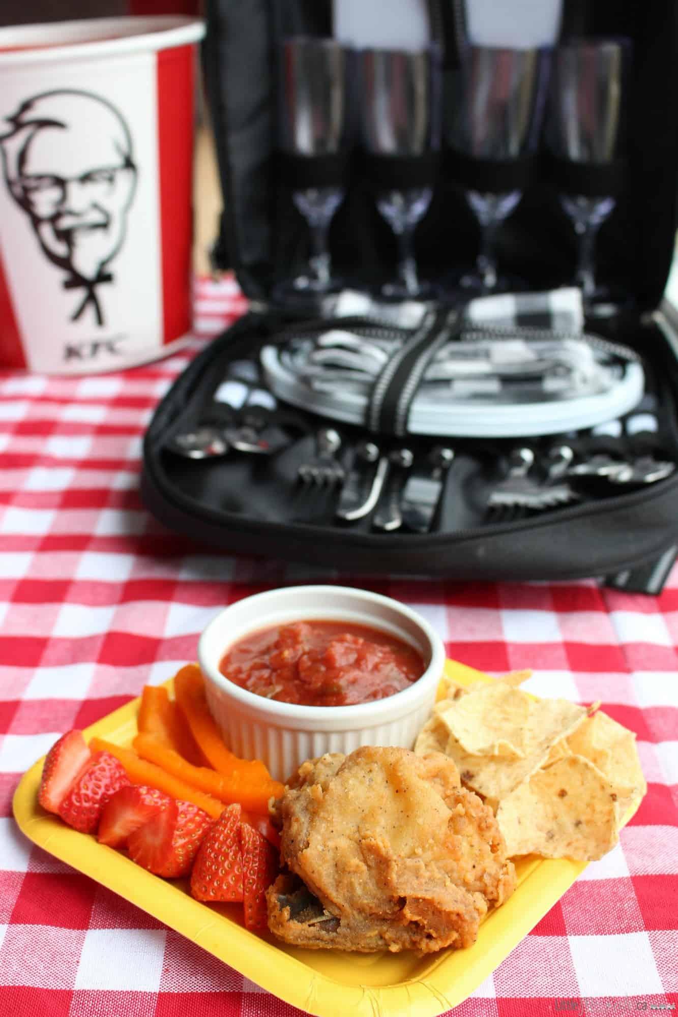 easy picnic meal ideas via littlemisskate.ca
