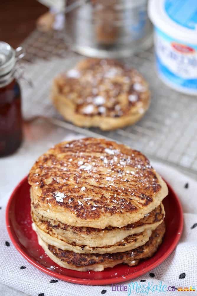 Easy Cottage Cheese Pancakes Recipe - Brunch Recipe Idea via littlemisskate.ca