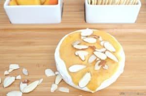 Easy Brie Appetizer: Tangy Mustard-Peach Baked Brie via littlemisskate.ca