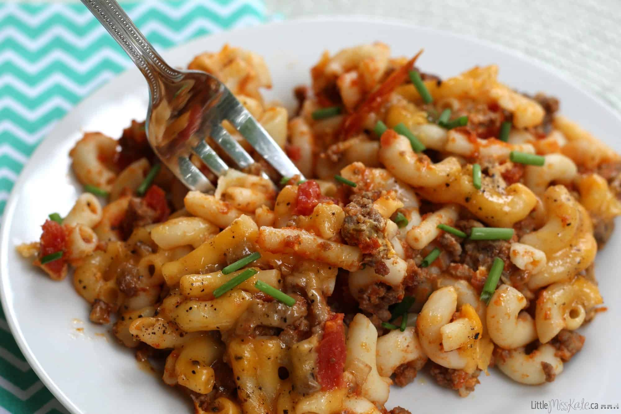 Homemade Macaroni and Cheese with Ground Beef Recipe via LittleMissKate.ca
