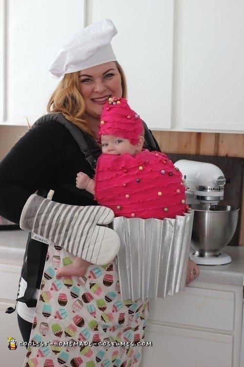 baker and cupcake babywearing costume ideas via littlemisskate.ca