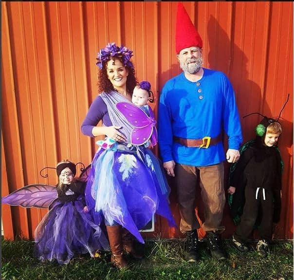 Fairies and Gnomes babywearing costume idea via littlemisskate.ca