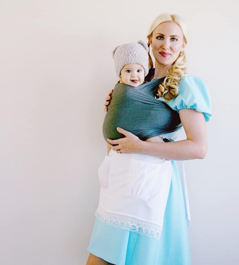 Goldilocks and bears babywearing costume ideas via littlemisskate.ca