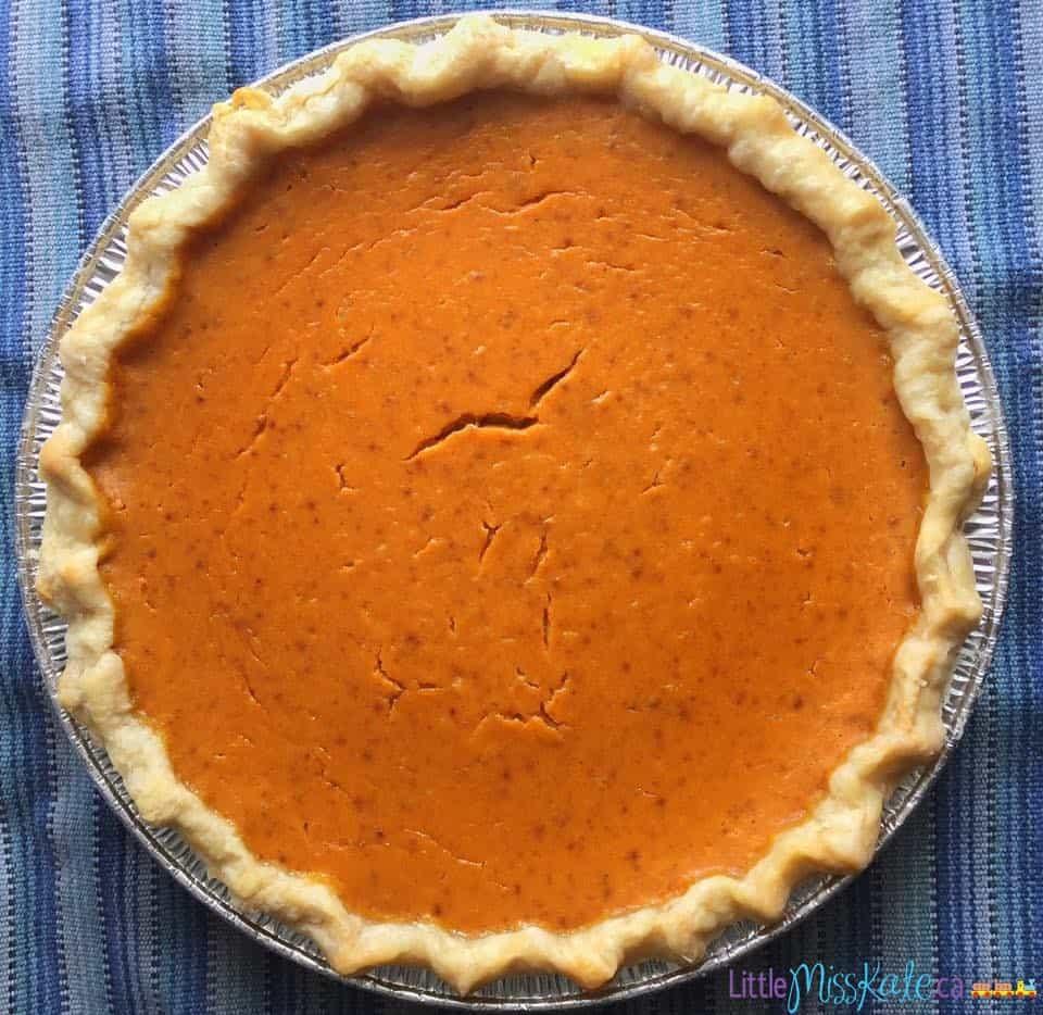 The Best Ever Homemade Pumpkin Pie Recipe with canned pumpkin via LittleMissKate.ca