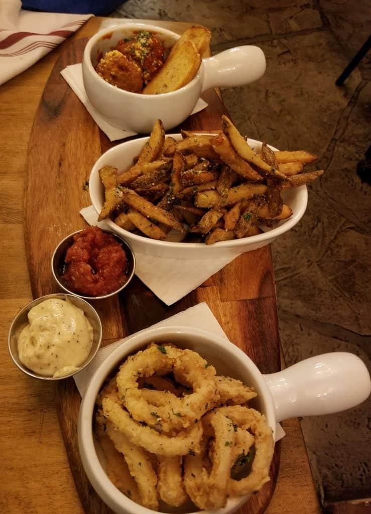 appetizers at Fanzorellis