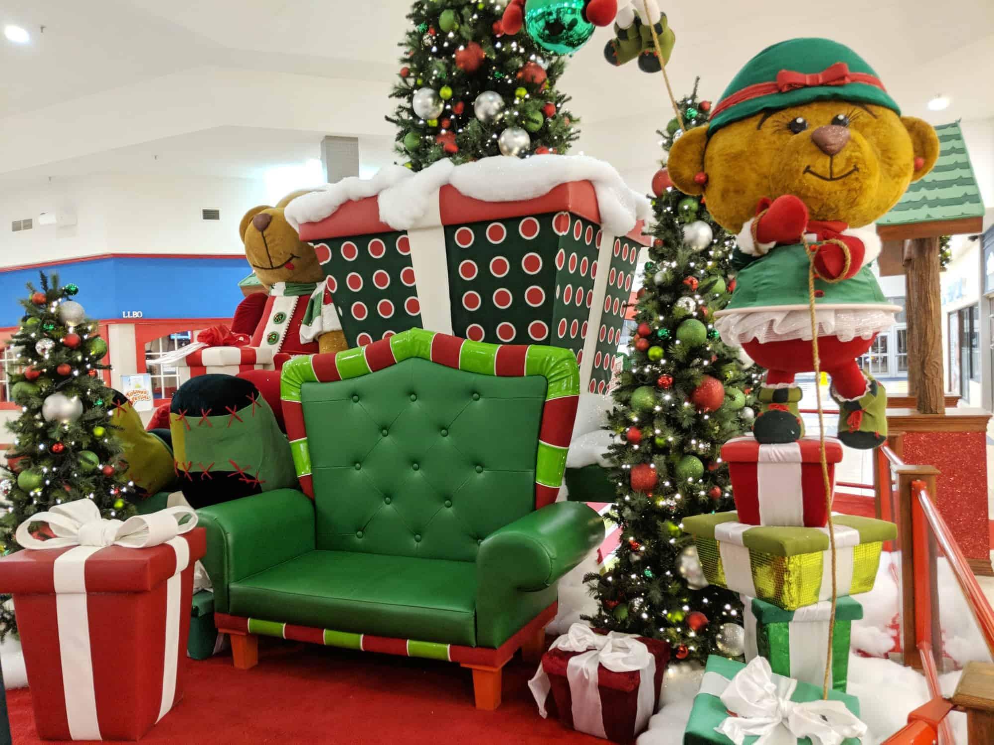 Shoppers world brampton photos with Santa