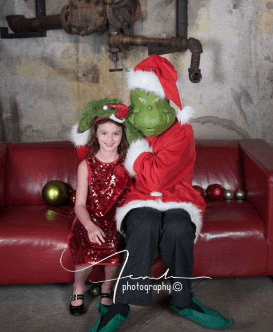 Photos with the Grinch Alton Mall